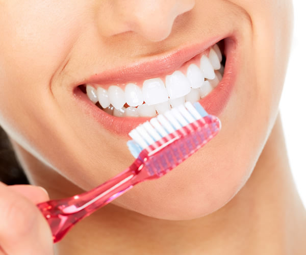 Strahlend weiße Zähne