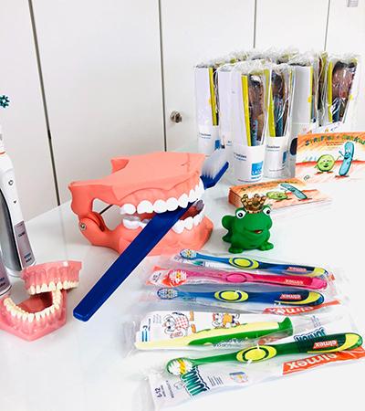 Kindergartenbesuch zum Tag der Zahngesundheit